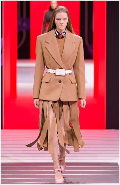束腰西装与流苏裙的职业装定做套装