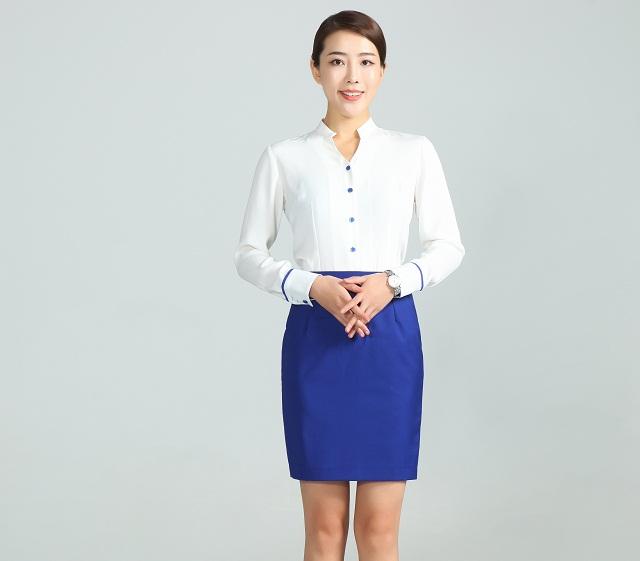 夏季工作服定做款式之衬衫搭配半裙